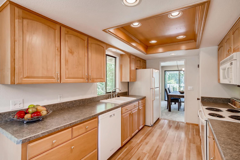 22224 3rd Ave SE Bothell WA-large-009-5-Kitchen-1500x1000-72dpi.jpg