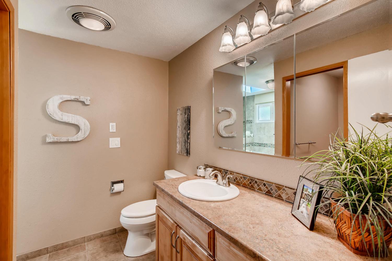 22224 3rd Ave SE Bothell WA-large-014-12-Master Bathroom-1500x1000-72dpi.jpg