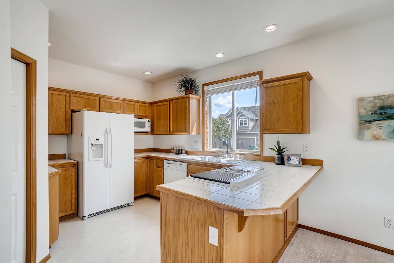 23232 9th Place W Bothell WA-large-012-003-Kitchen-1497x1000-72dpi.jpg