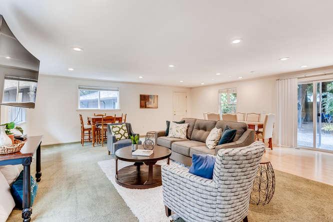 9515 Paradise Lake Road-small-005-005-Living Room-666x444-72dpi.jpg