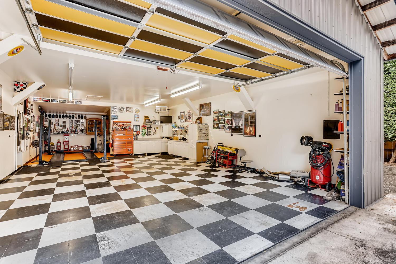 9515 Paradise Lake Road-large-024-021-Garage-1500x1000-72dpi.jpg