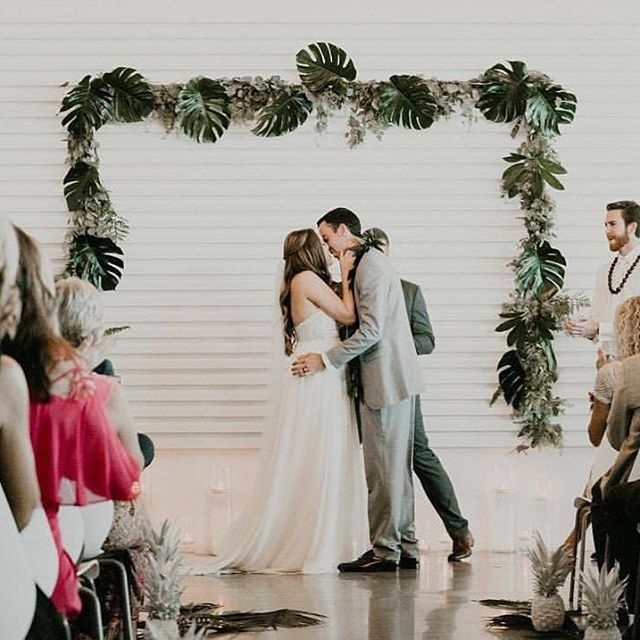 Life is wonderful with you in it 📷: @itsmelissarey • • • • • • • • • • •  #weddingflowers #florals #florist #socalweddings #wedding #ocflorist #laflorist #bridal #floraldesign #bride #floraldesigner #floralarrangement #weddingplanning #summerwedding #eventflowers #flowers #socalbrideblog #socalbride #wintewedding #engaged #engagement #socalbrideblog #theknot #weddingforward #junebugweddings #greenweddingshoes #bohowedding #bohobride #mayeshoc