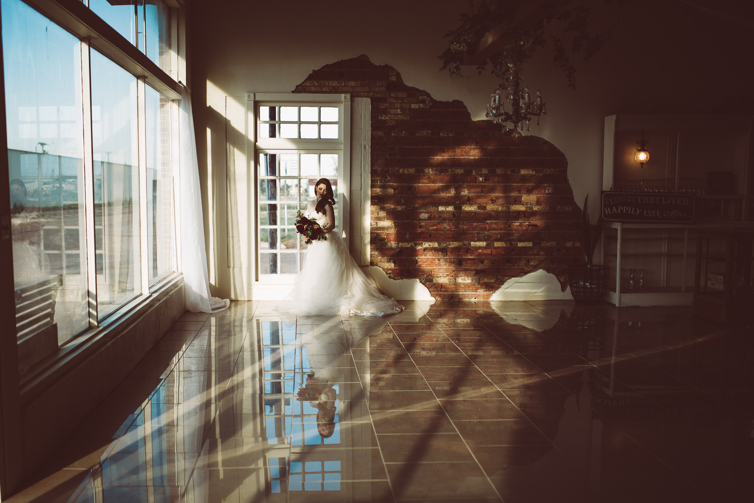 laura-beck-photography-best-lubbock-texas-couples-love-lifestyle-engagement-wedding-anniversary-portraits-9.jpg