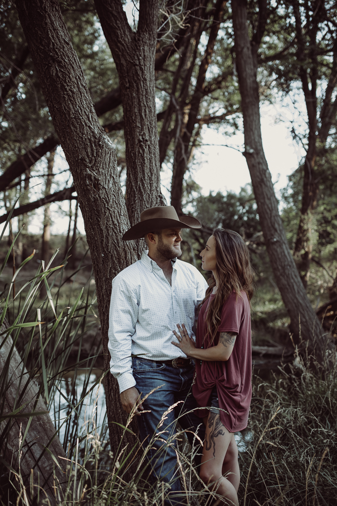laura-beck-photography-best-lubbock-texas-couples-love-lifestyle-engagement-wedding-anniversary-portraits-38.jpg