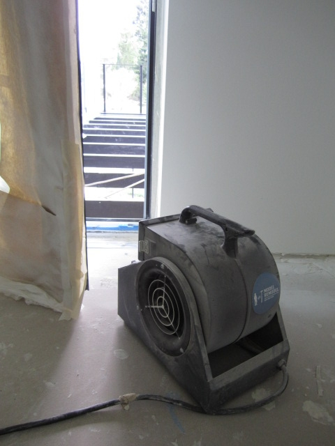 fan removes dust during finishing