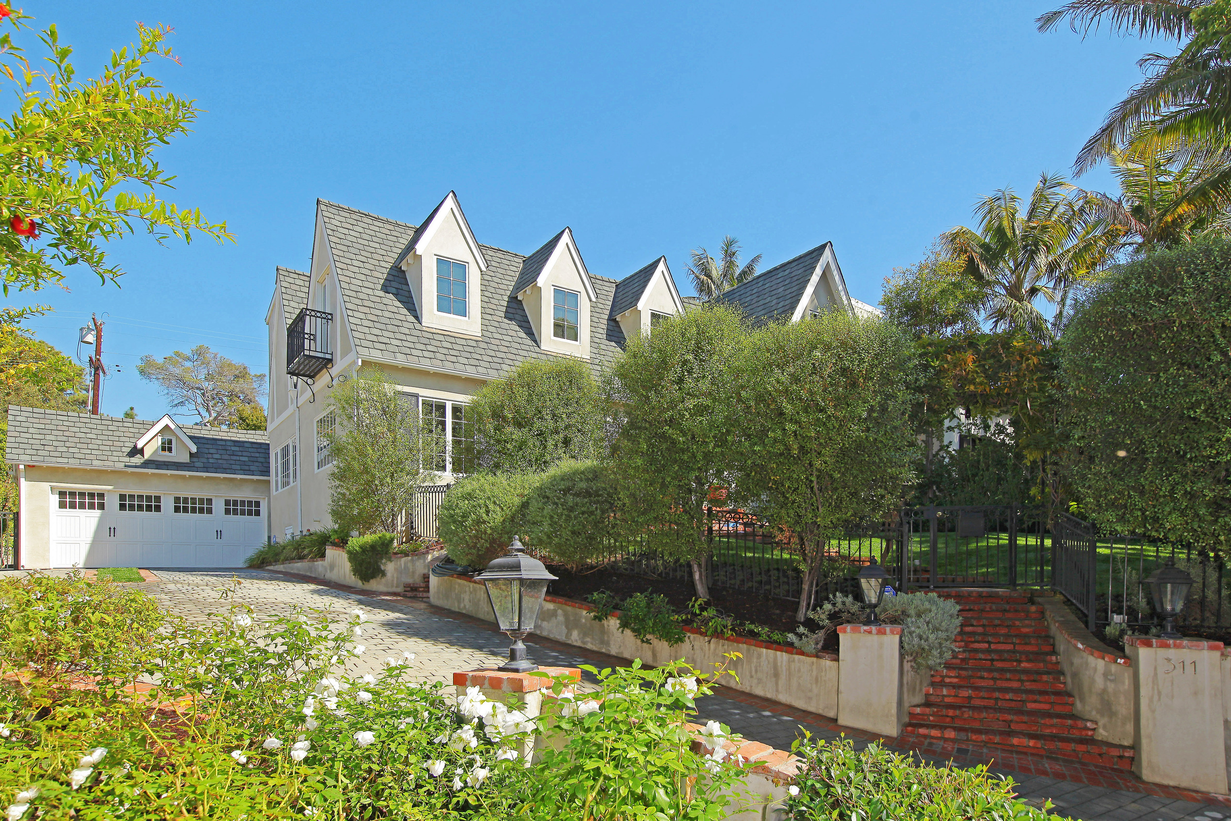 SANTA MONICA - 23rd Street - 3 Bed, 3 Bath