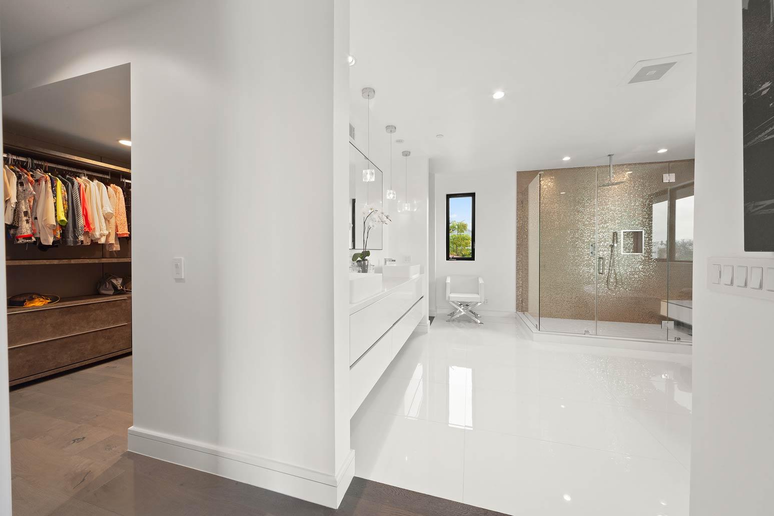 master-bath-closet-_.jpg
