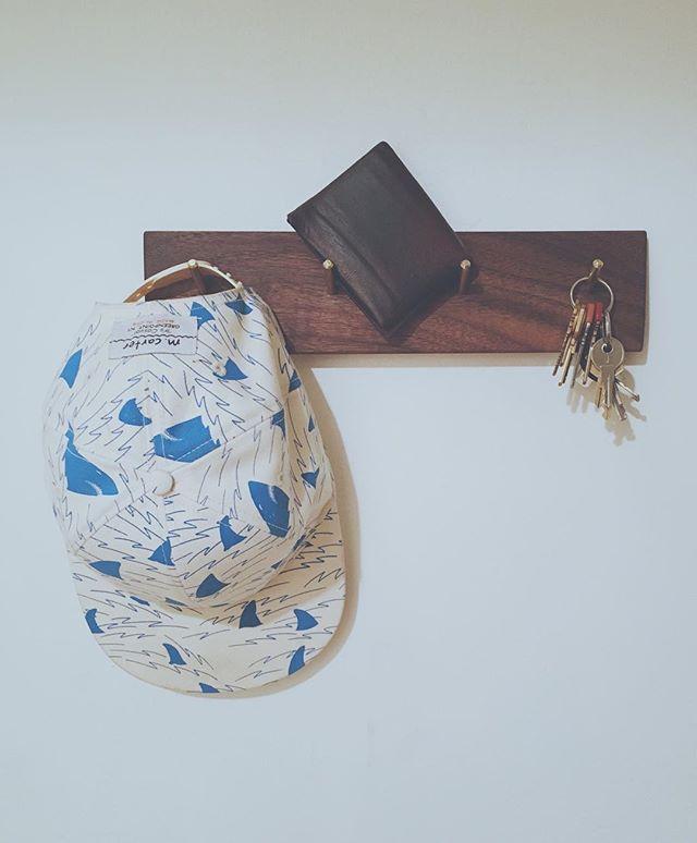 key, hat, wallet holder in walnut with brass.