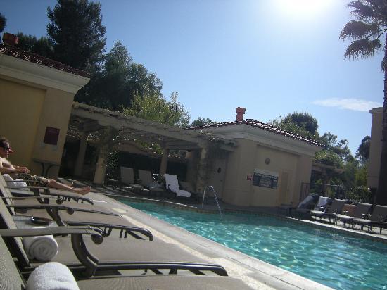 Hyatt Regency Valencia Pool.jpg