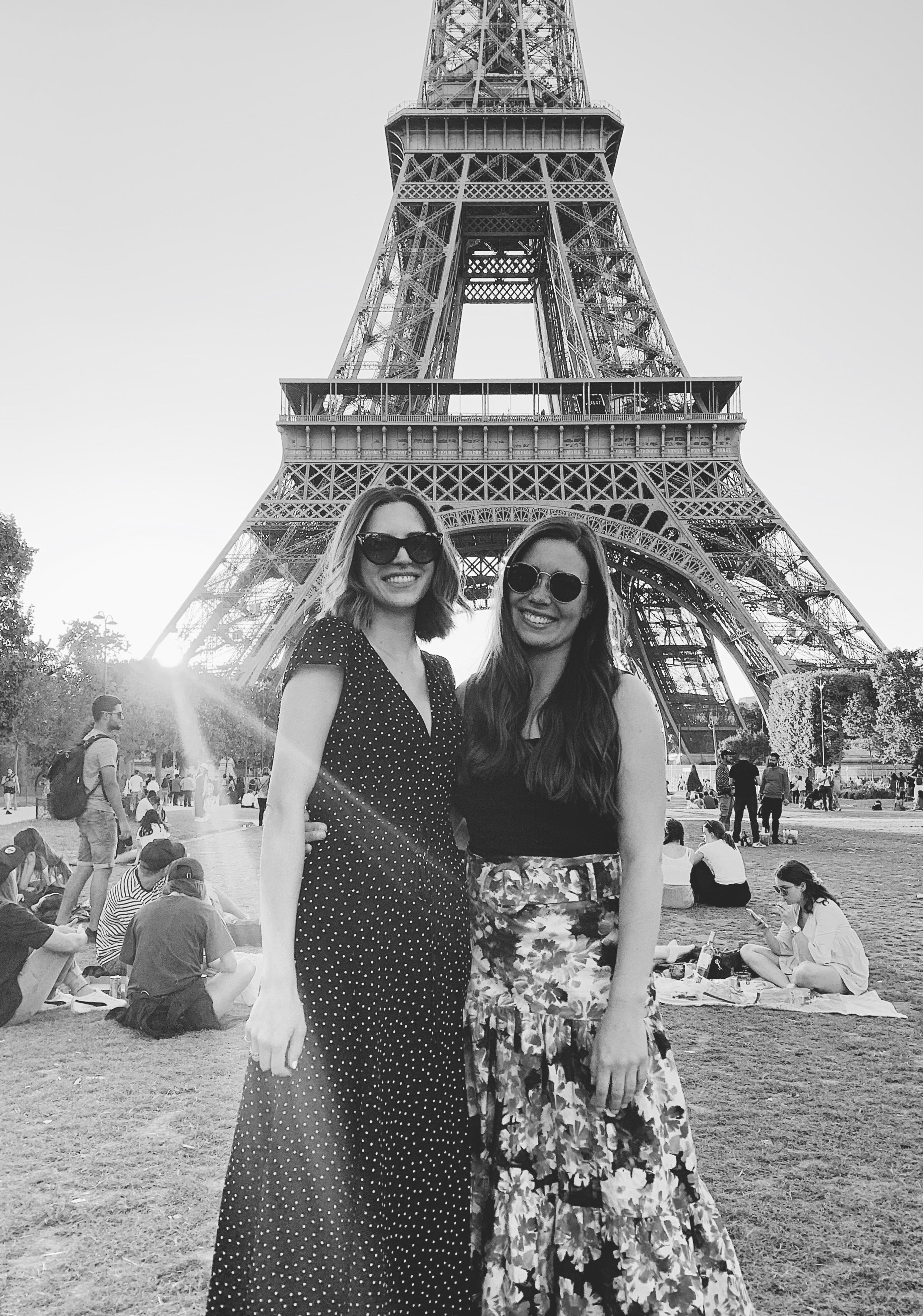Paris 15 Eiffel Tower.jpg