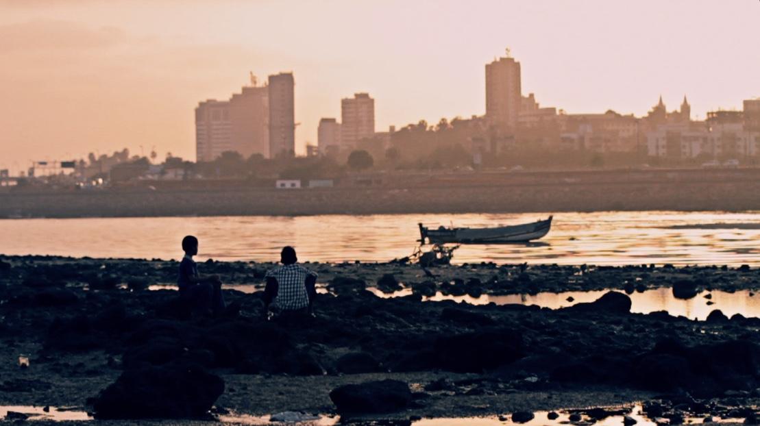 mumbai boys sunset.jpg