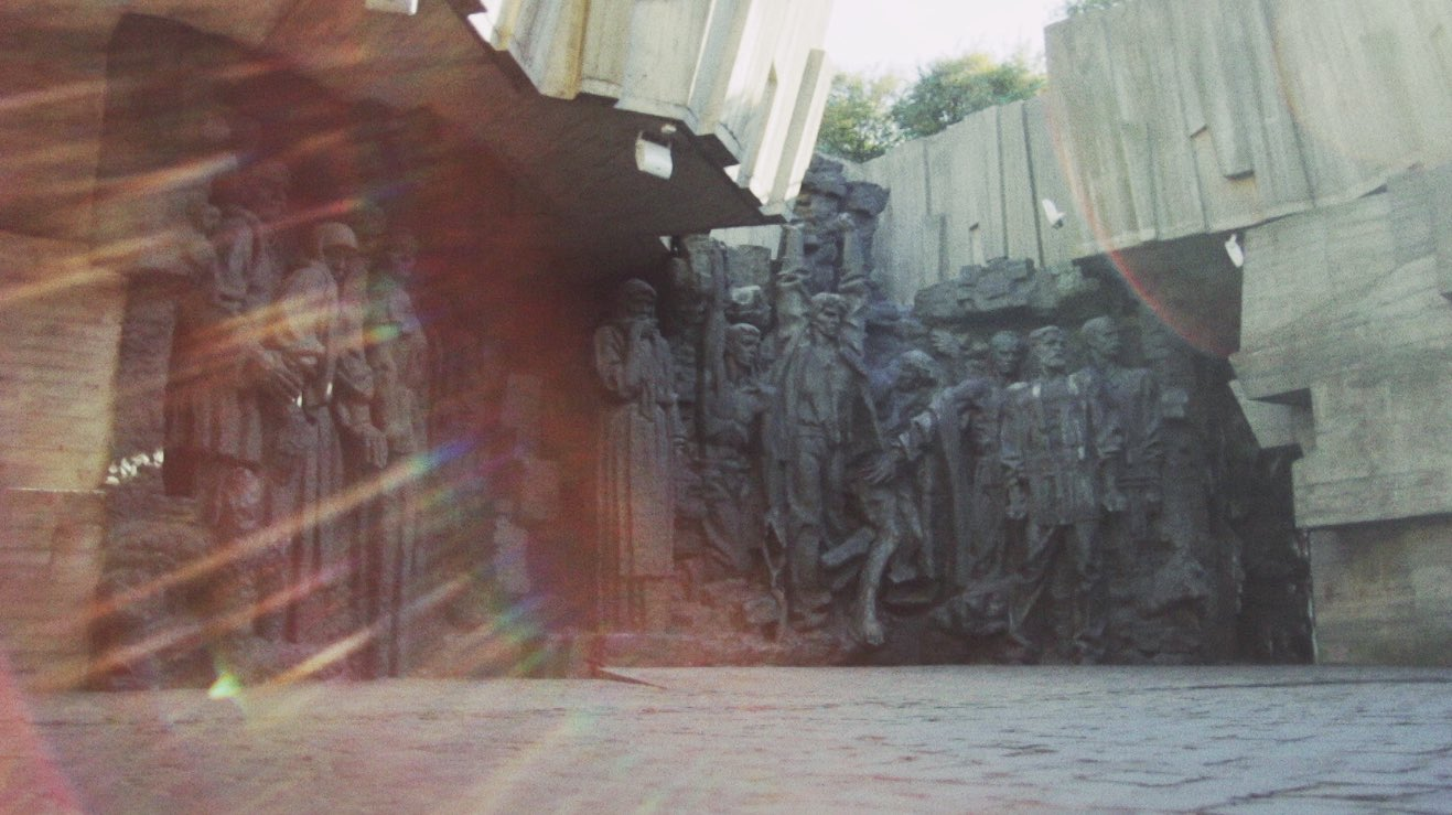 kiev statue flare.jpg