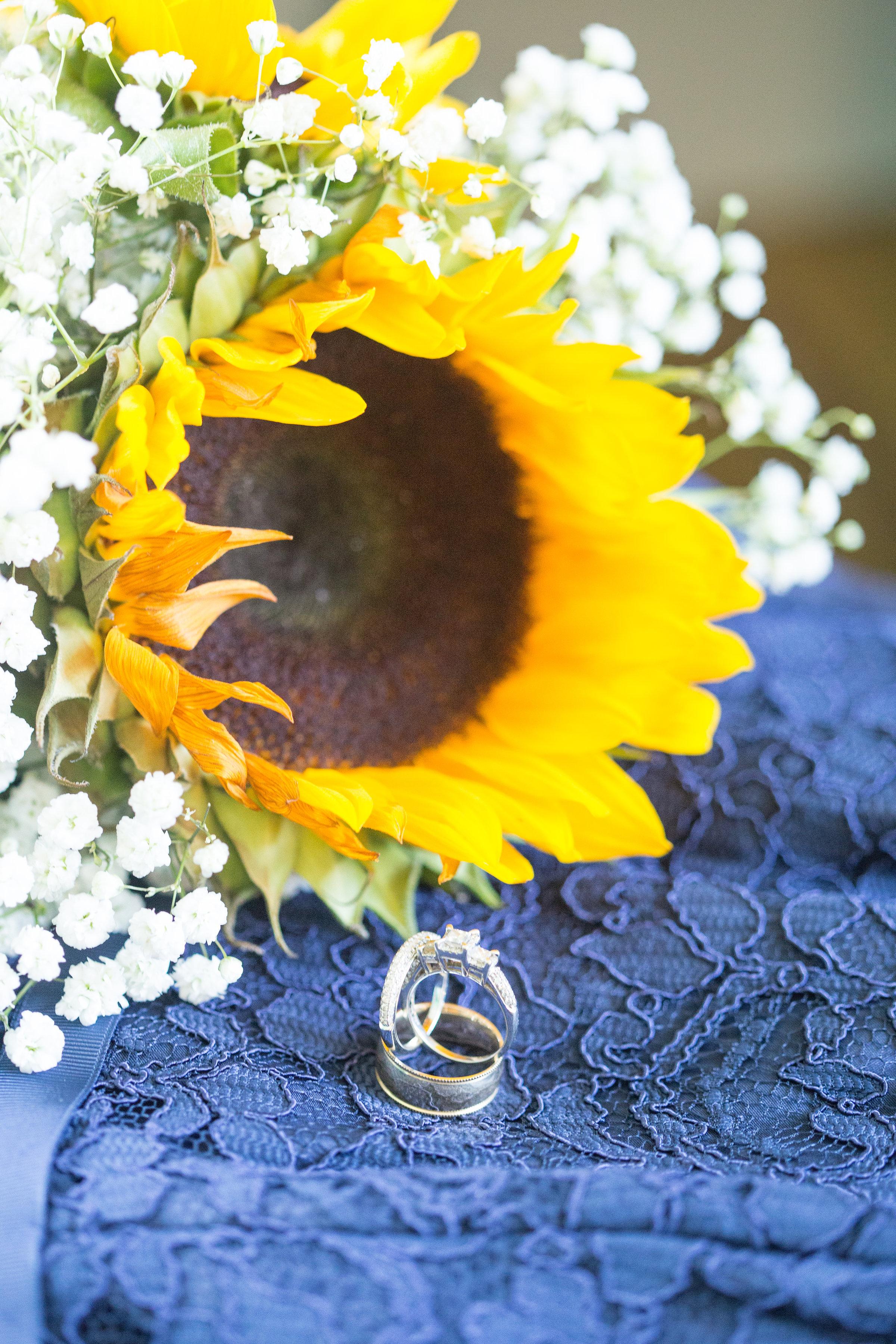 sunflower-bridesmaid-bouquet-engagementring-photos.jpg