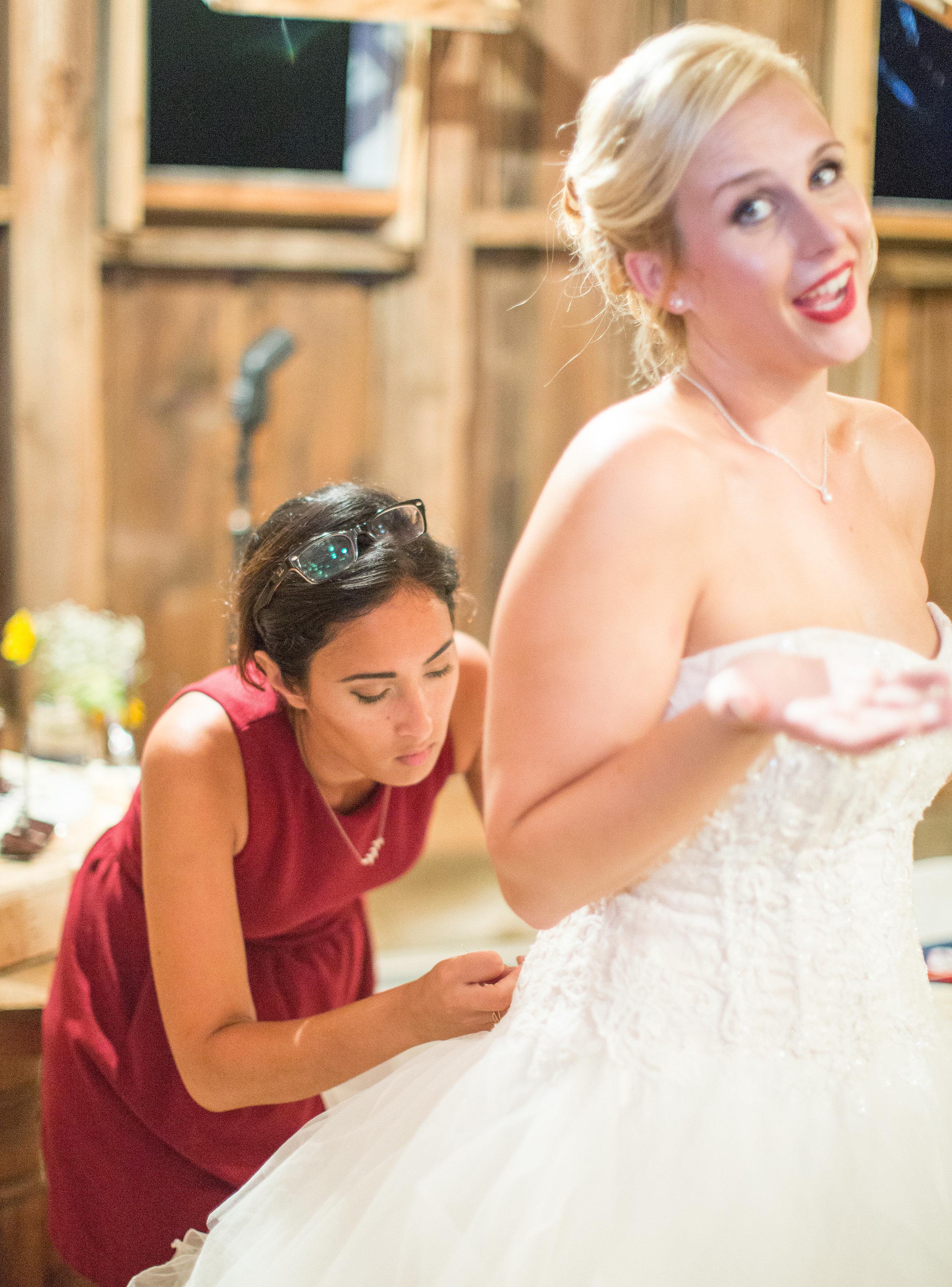 wedding-dress-bustle-planner-coordinator-itiswhatitis-photos.jpg
