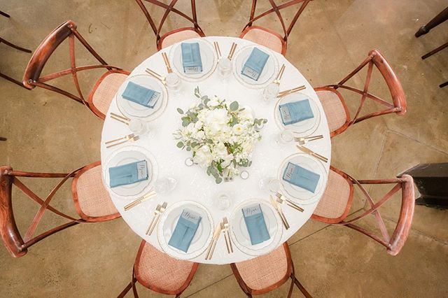 Birds eye view on everything placed just so. Man I do love some symmetry! 😍⠀ ⠀ R&R after yesterday's beautiful weddings and back to planning all the pretty tomorrow! ⠀ ⠀ 📷: @idaliaphotography ⠀ 🌿: @hollychapple ⠀ 🍽: @rsvpcateringdc @selecteventgroup ⠀ 🗺: @stonetowerweddings