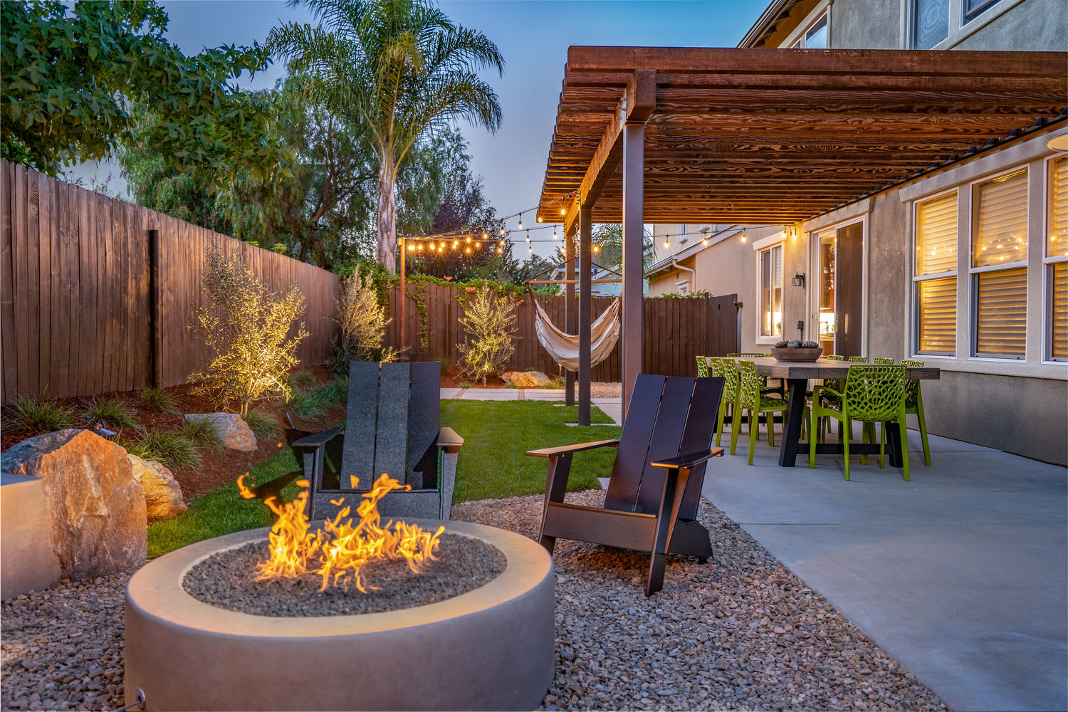 Fire-pit-with-adirondack-chairs.jpg