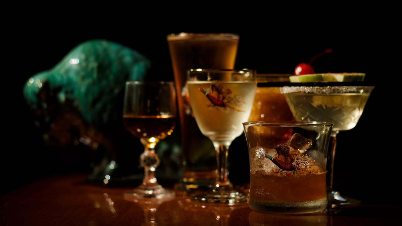 Bison-Bar_glasses2.jpg