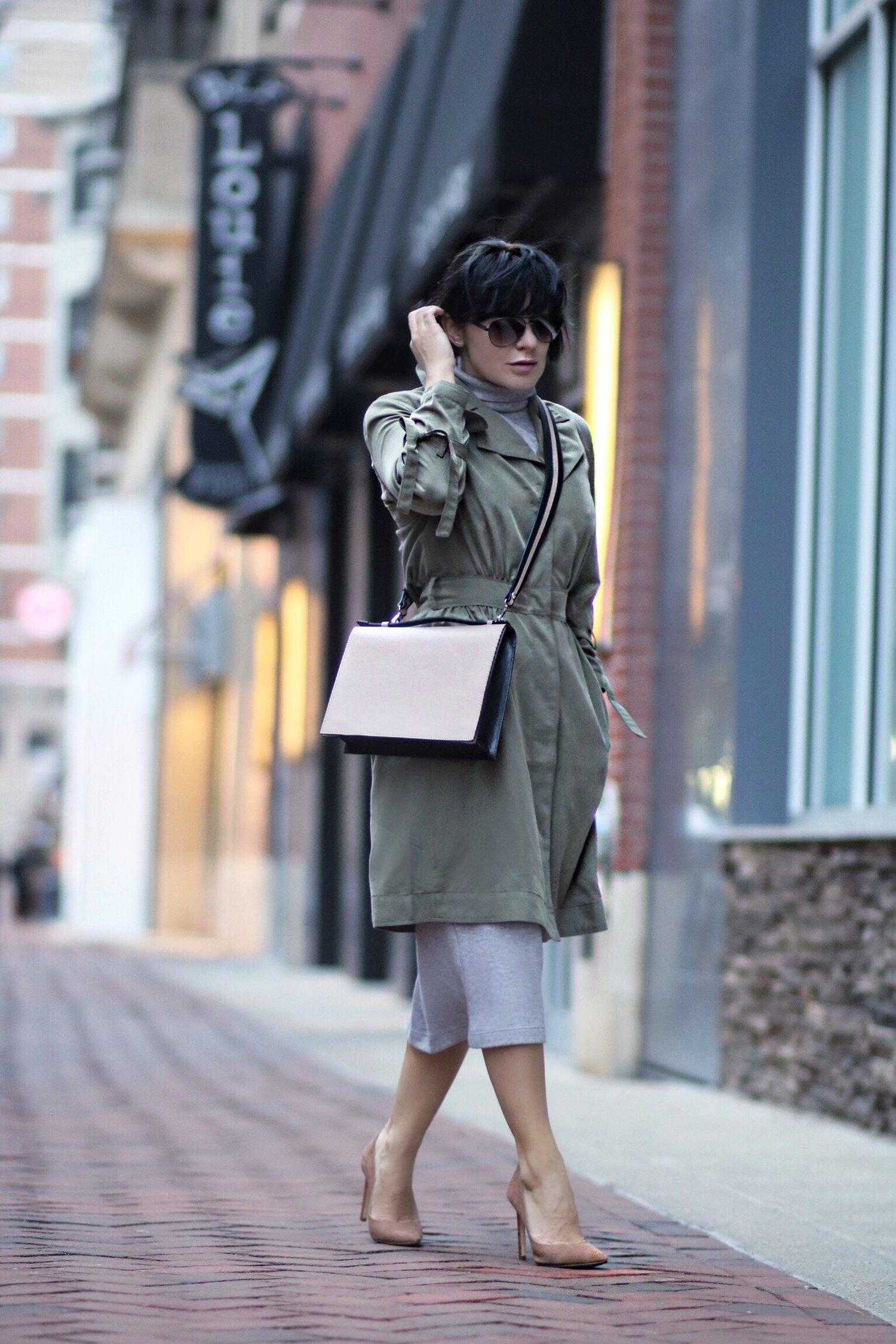 khaki trench dress street style