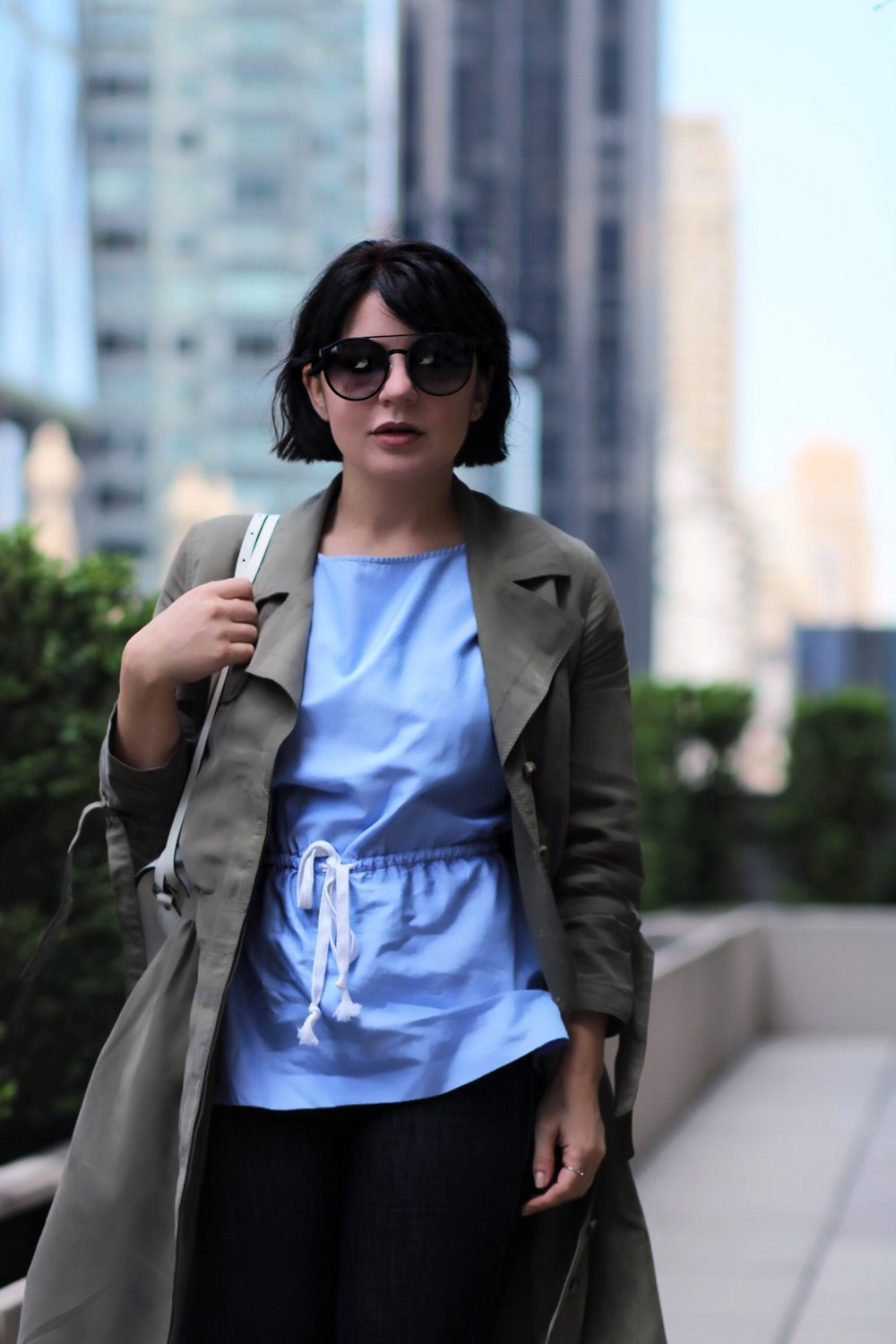 blue-top-close-up-blogger-style