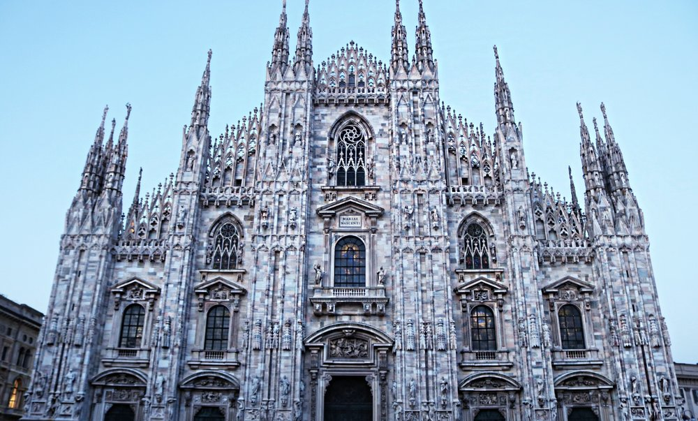 Milan-cathedral-duomo-front-view
