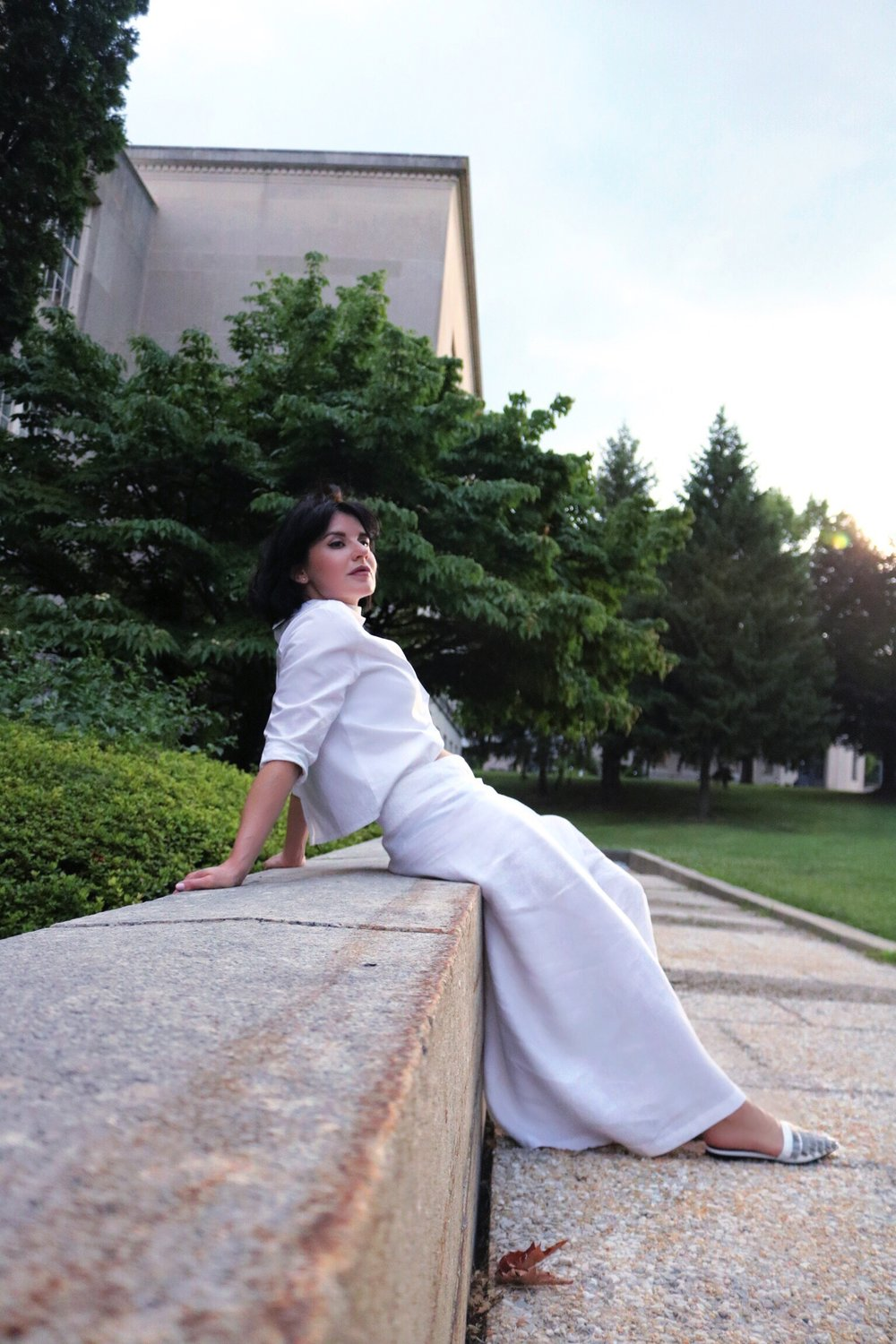 white-linen-outfit-blogger-style