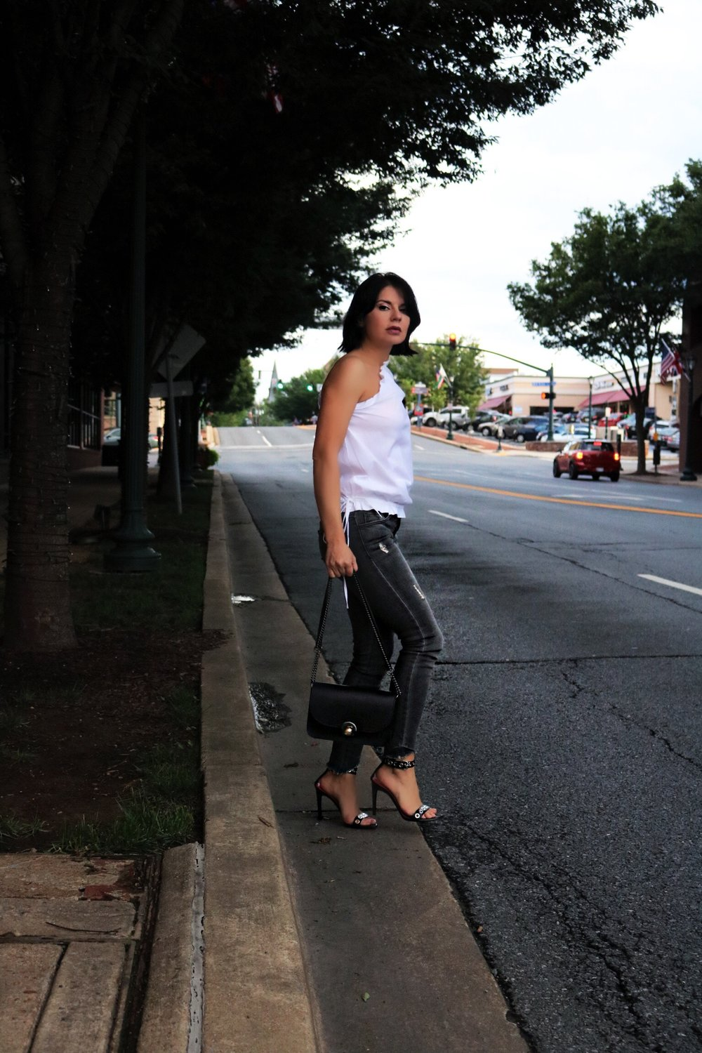 one-shoulder-top-streetstyle-blogger