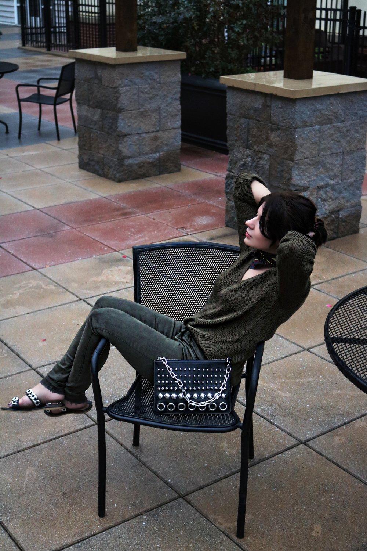 dark-green-denim-sweater-fall-outfit