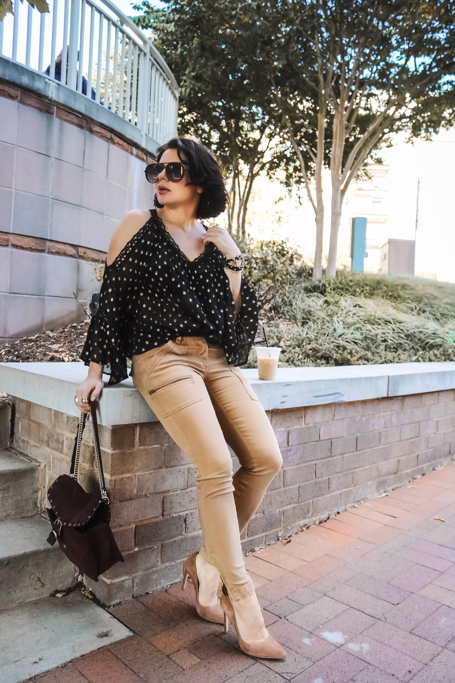blogger-style-black-gold-top