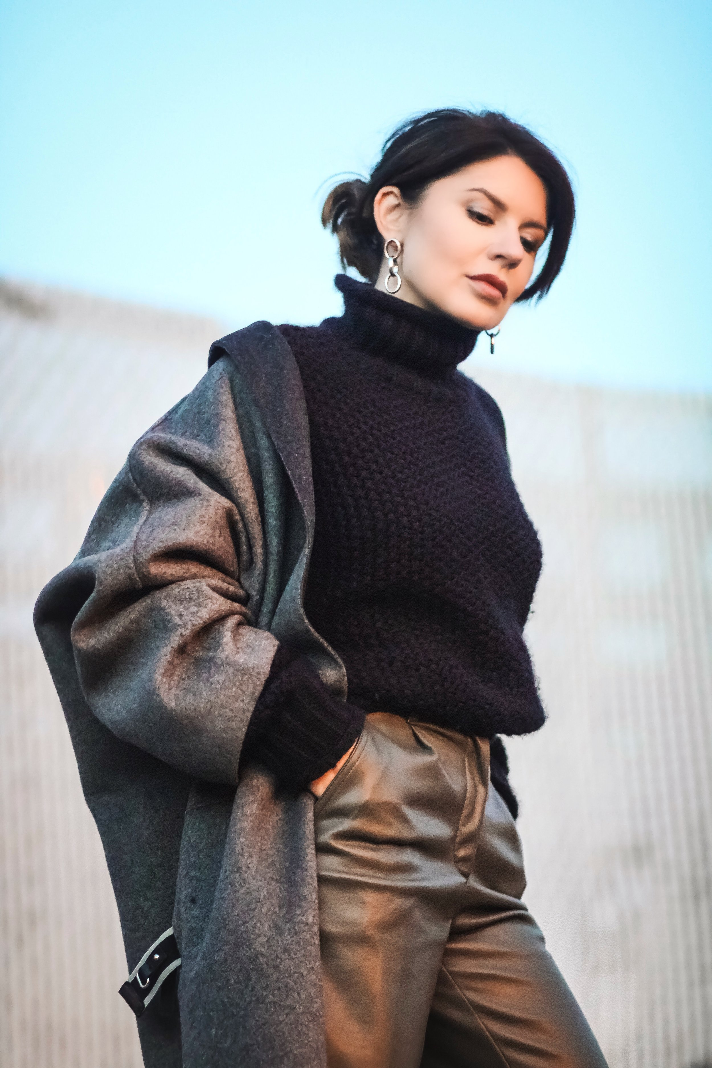 Gap-grey-coat-oversized-sweater-outfit