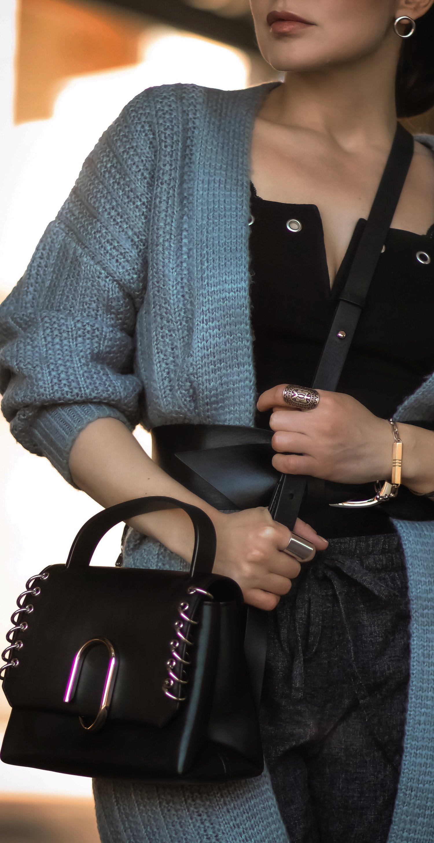 Isabel-Alexander-close-up-accessories-travel-outfit
