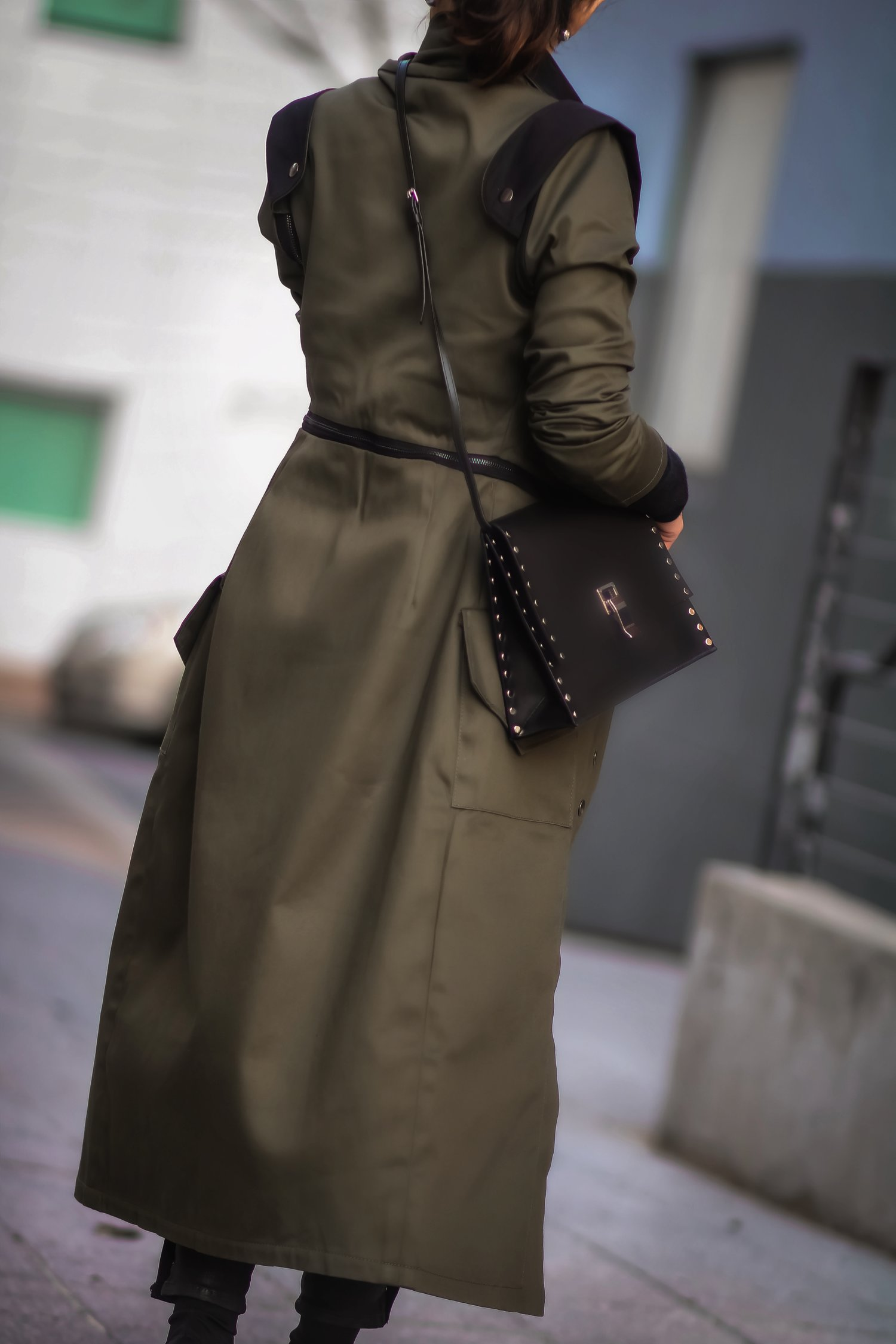 Isabel-Alexander-Clothia-trenchcoat-back-view