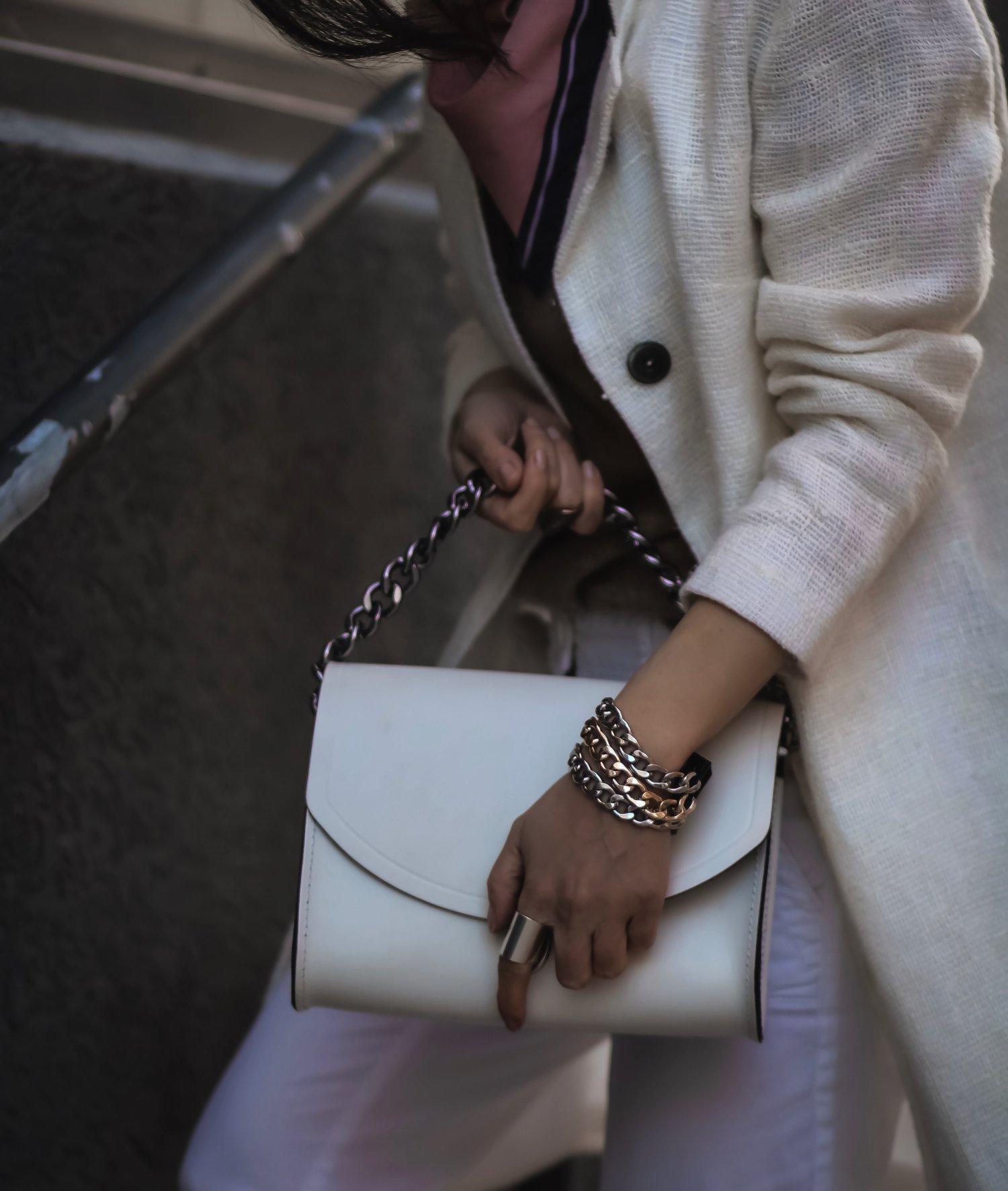 Isabel-Alexander-closeup-The-Dark-Shop-triple-chain-tricolored-bracelet