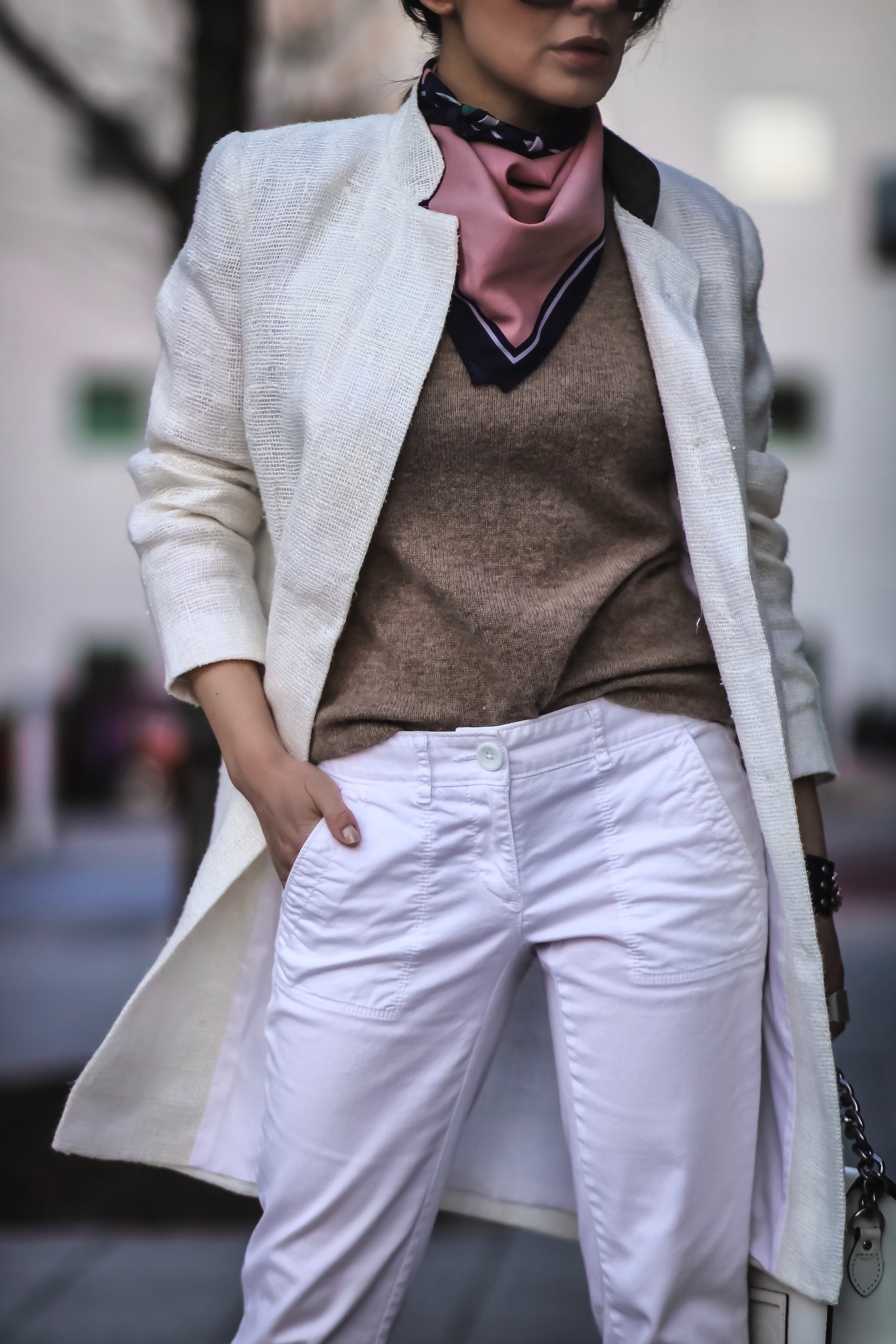 Isabel-Alexander-all-white-brunch-outfit-LOFT-denim