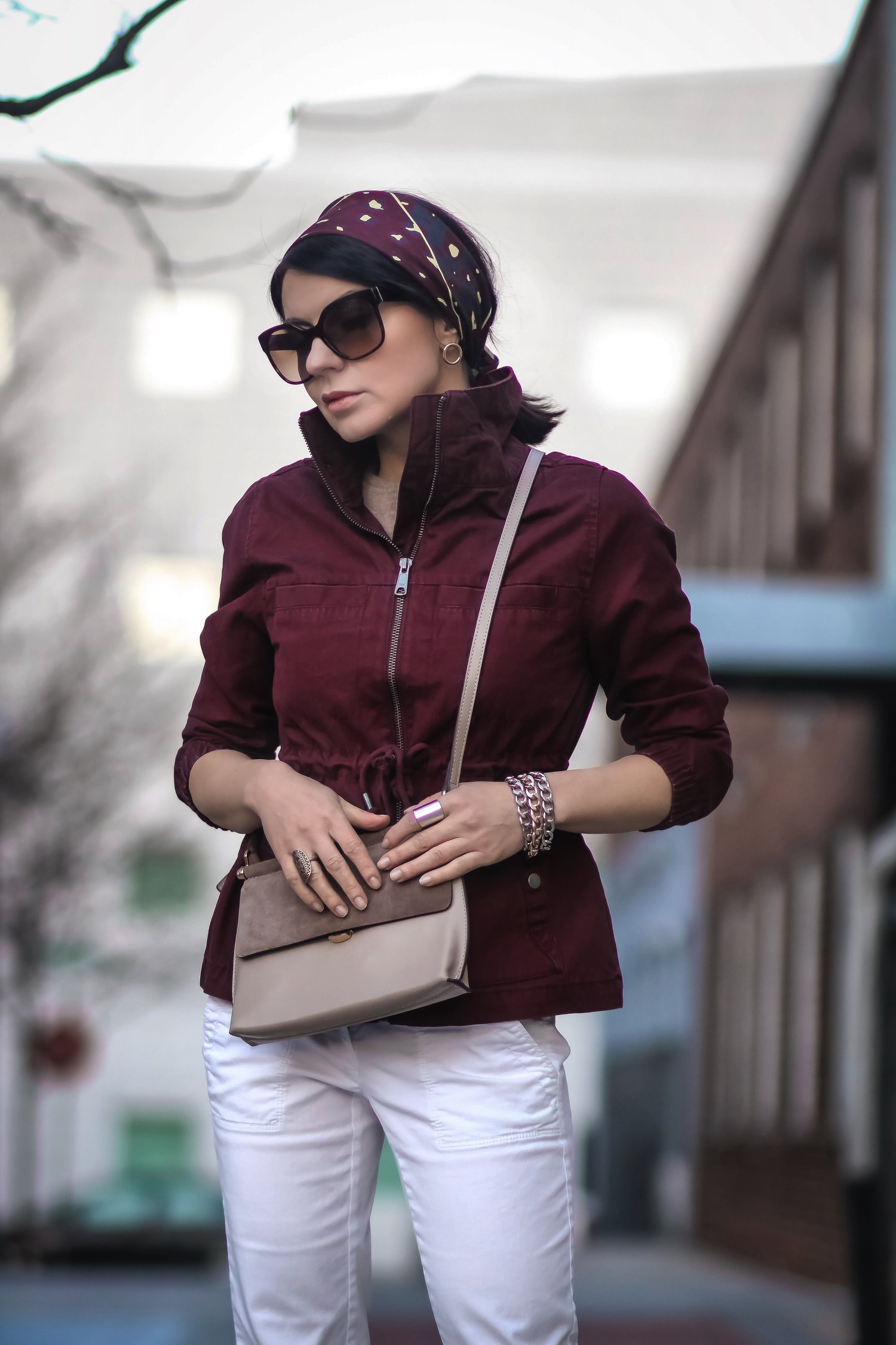 Isabel-Alexander-Old-Navy-burgundy-utility-jacket-white-denim-outfit