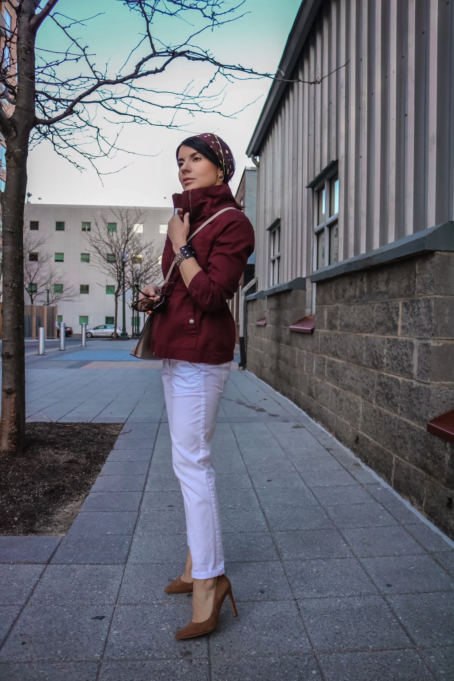 Isabel-Alexander-LOFT-white-denim-Old-Navy-jacket-streetstyle