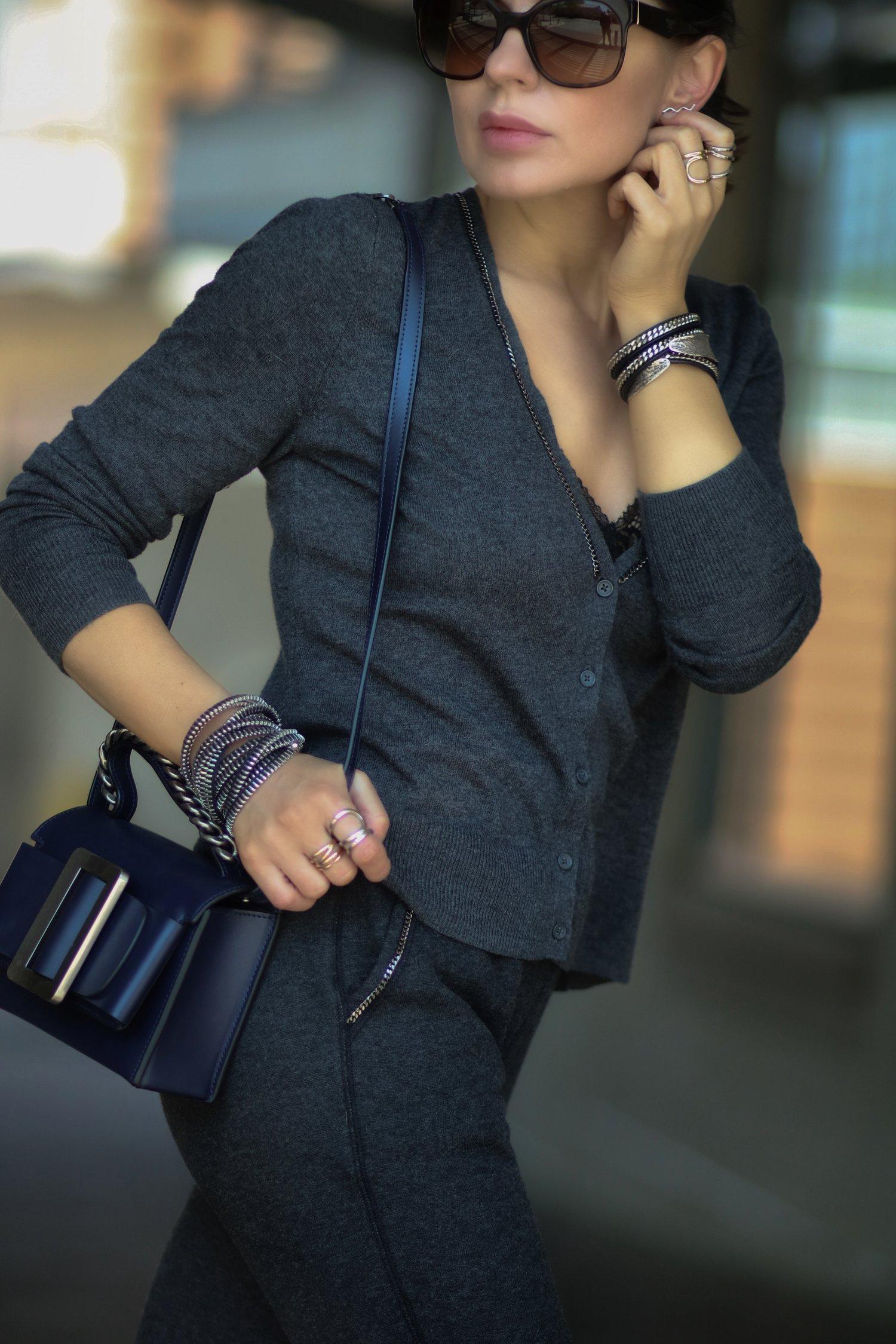 Isabel-Alexander-Old-Navy-cardigan-chain-details-Boy-bag-chain-bracelets