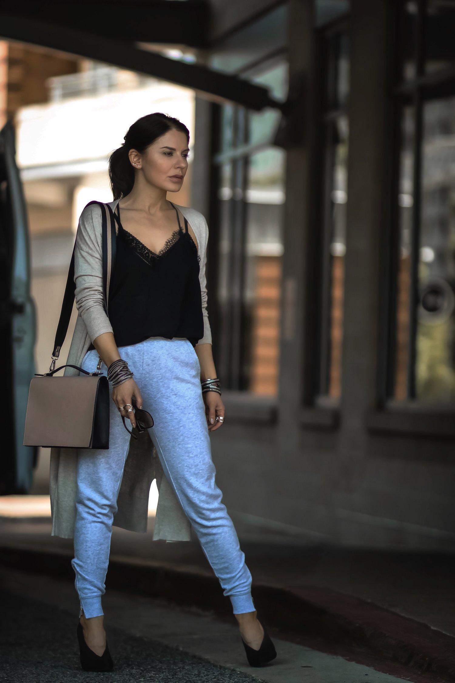 Isabel-Alexander-Old-Navy-tan-cardigan-athleisure-look-streetstyle.jpeg