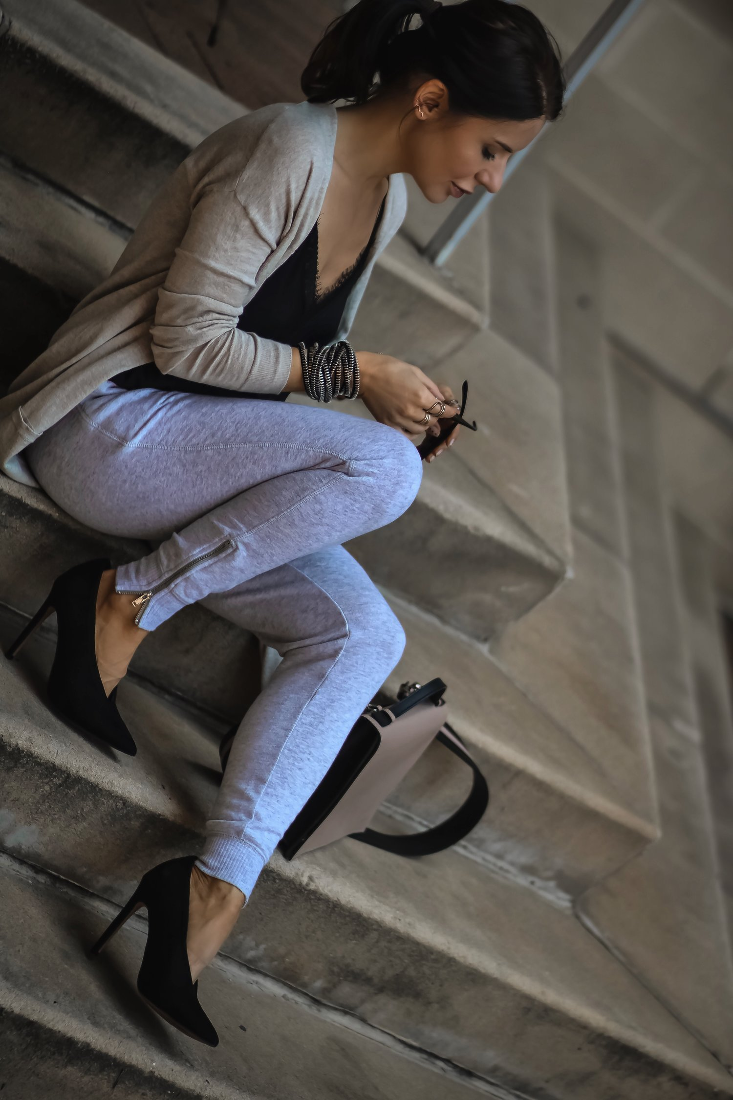 Isabel-Alexander-Aerie-joggers-ASOS-shoes-nude-Old-Navy-cardigan