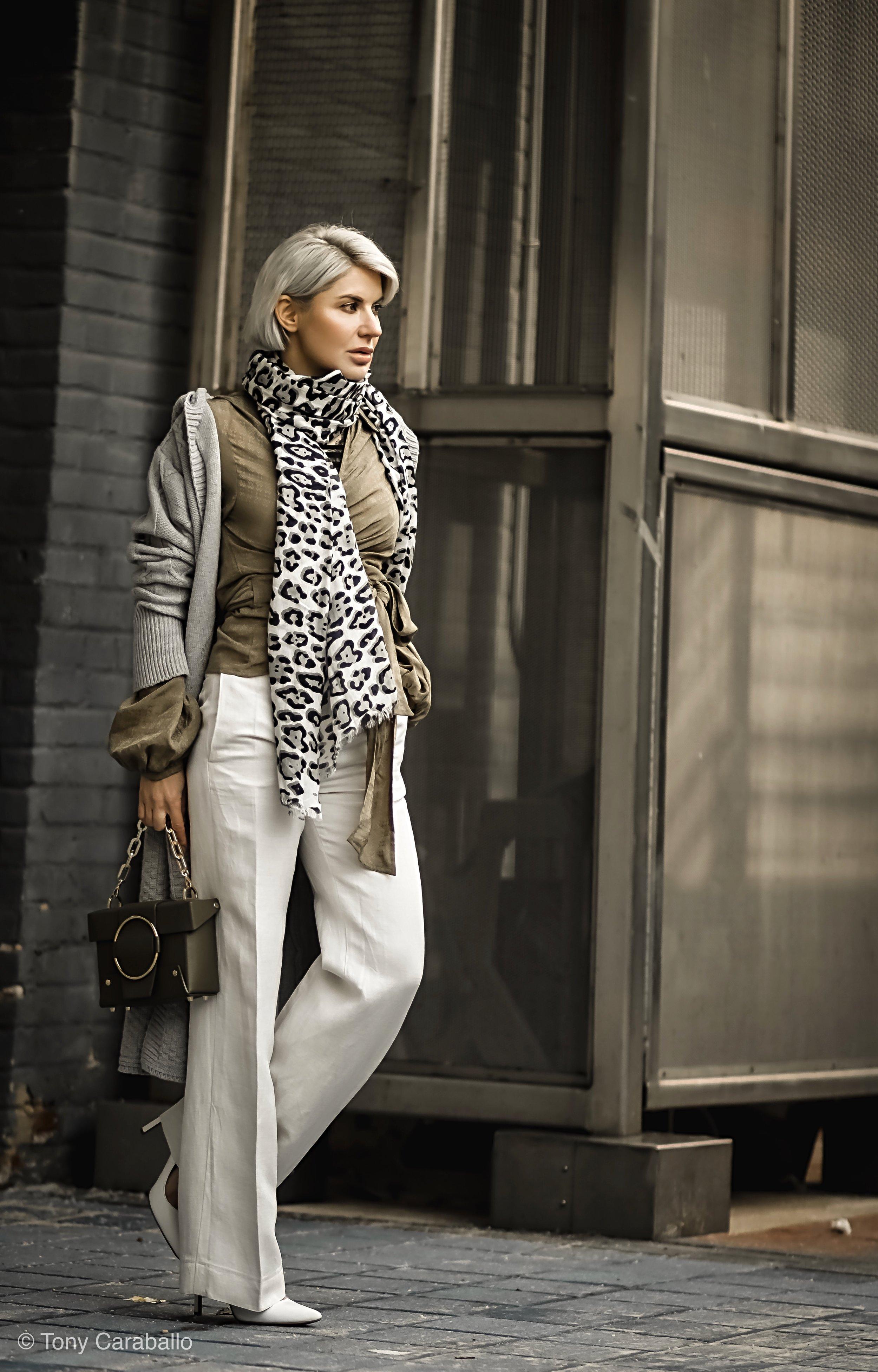 Isabel Alexander HM white linen pant olive shirt