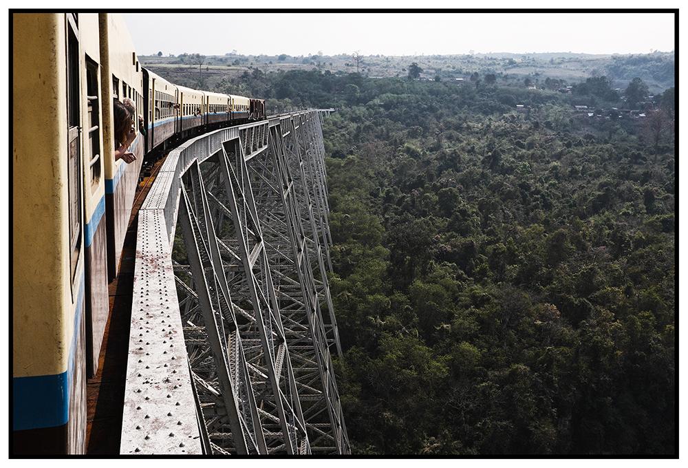 #en train 46. Myanmar. 2015
