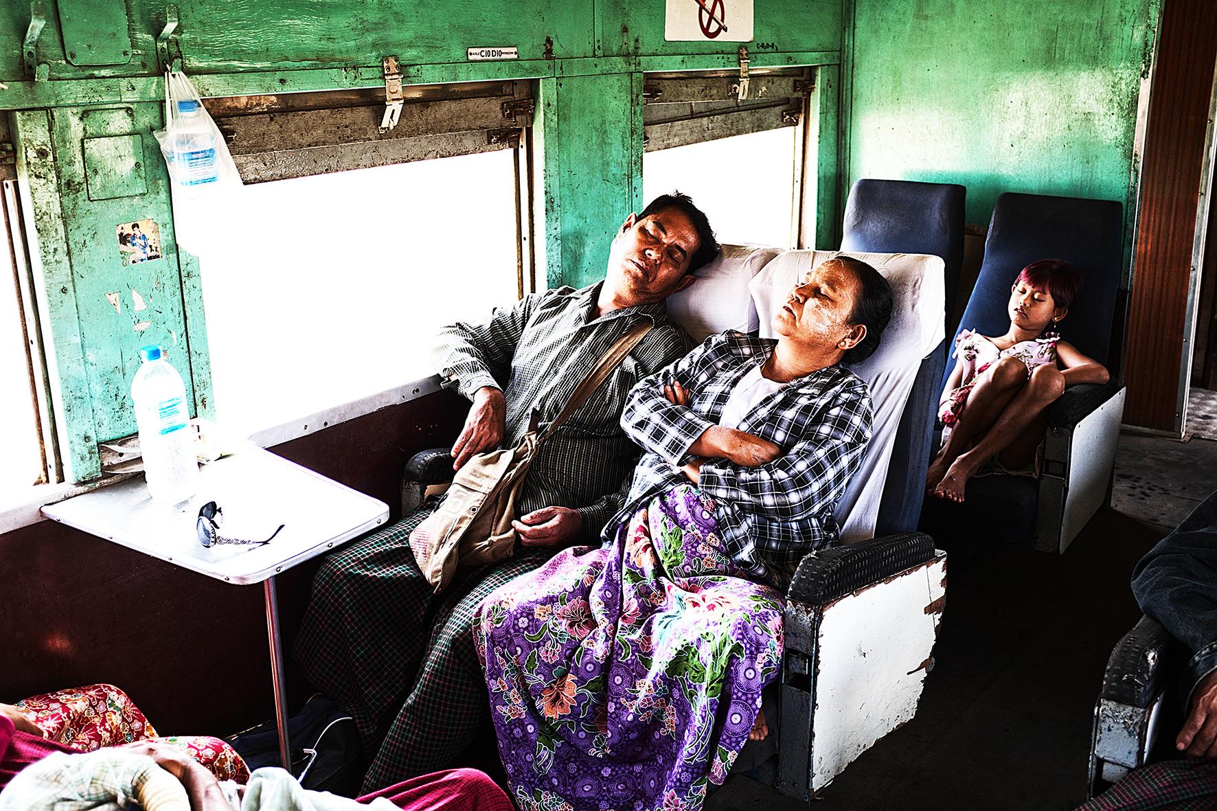 #en train 4. Myanmar. 2015