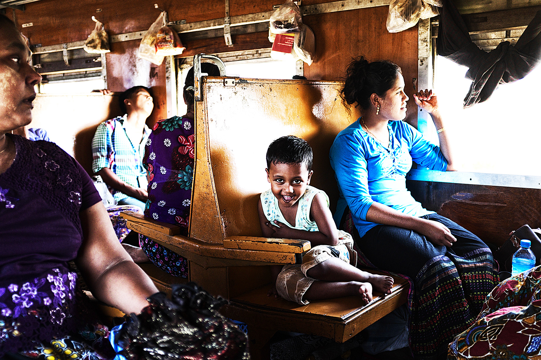 #en train 31. Myanmar. 2015