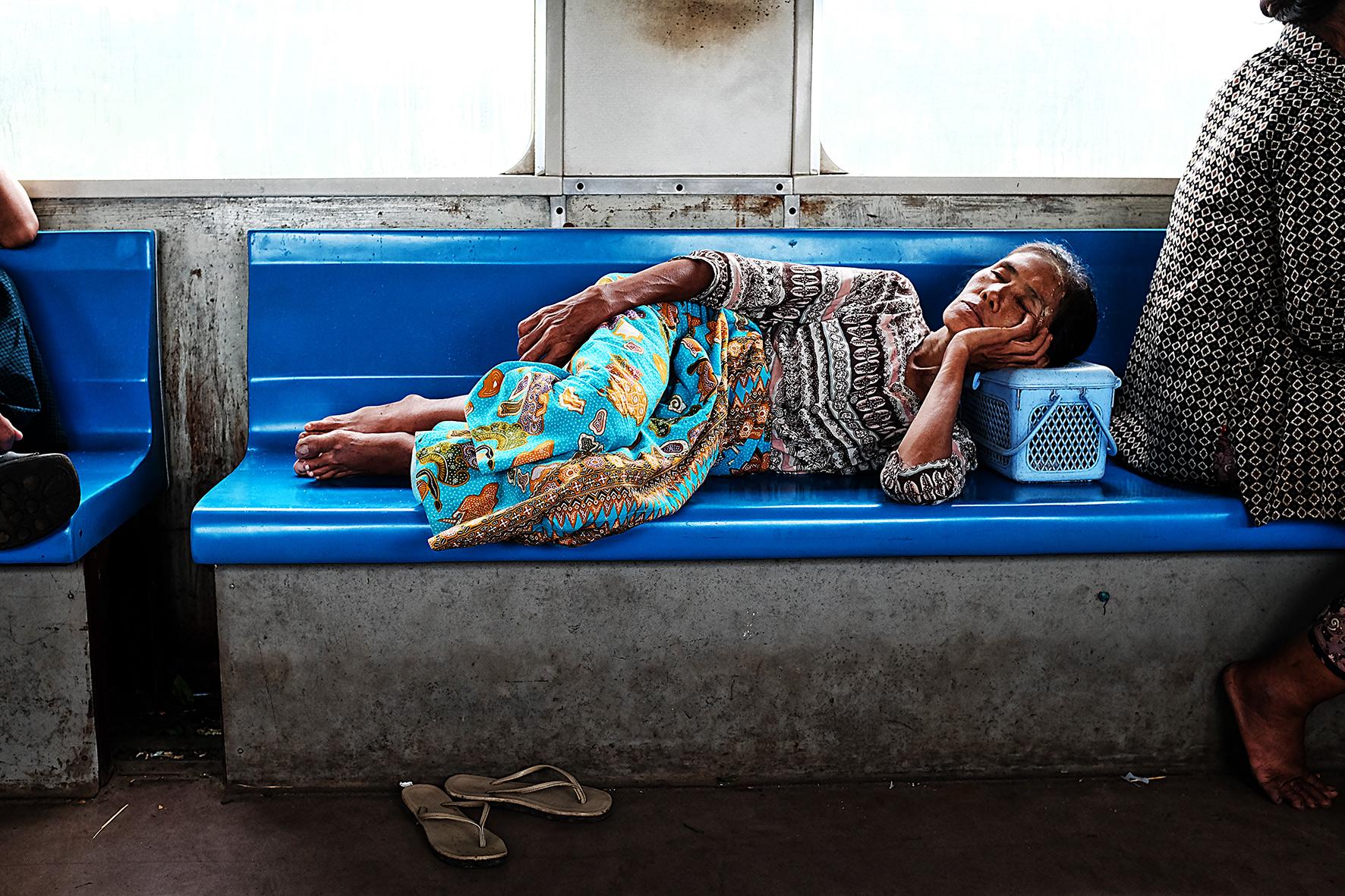 #en train 45. Myanmar.2016
