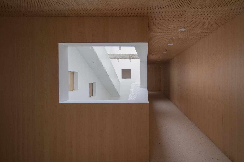 hallway2-zc.JPG
