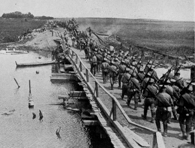 A column of Russian infantry on the move, Eastern Front, 1916.