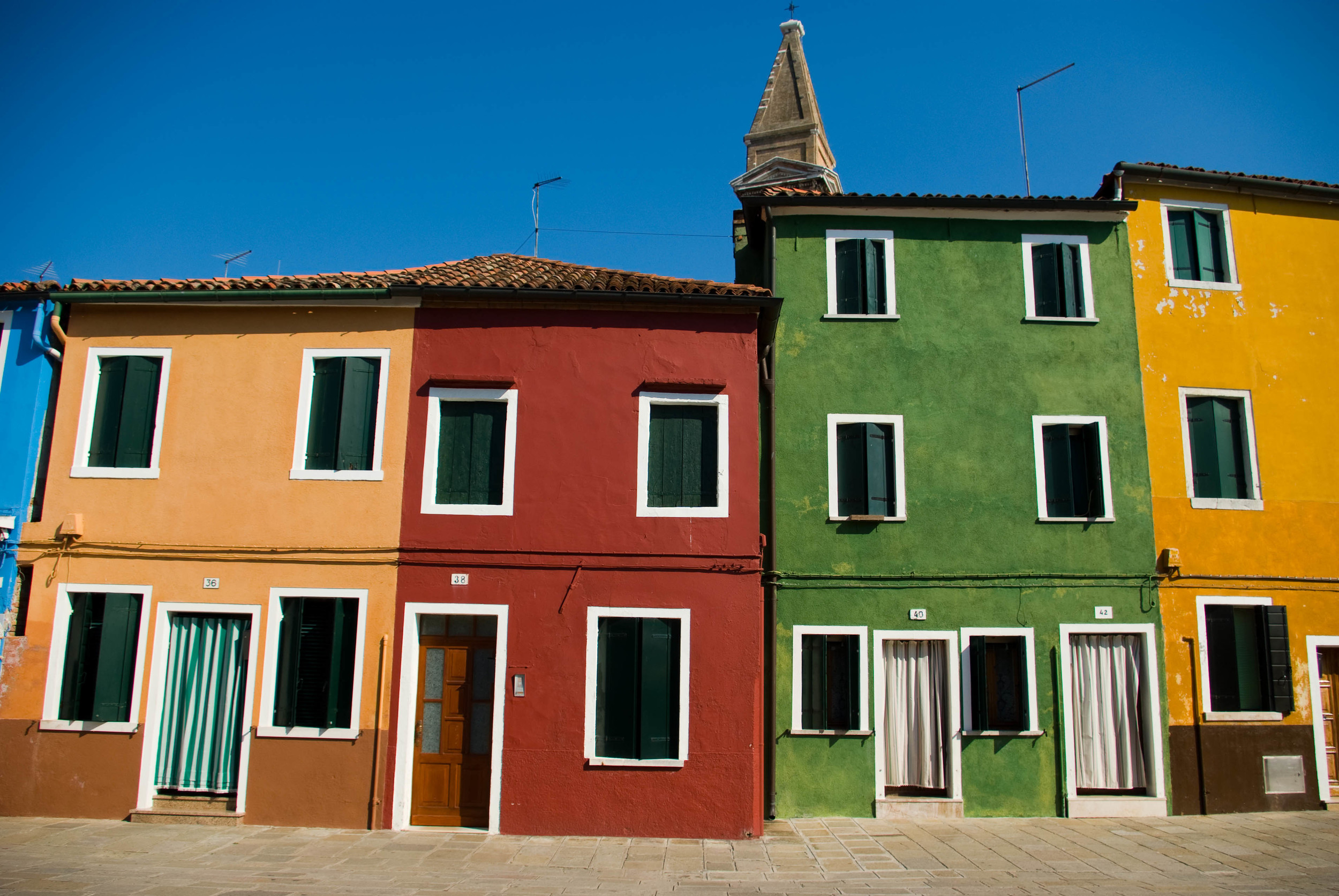 Jar_burano_4_houses.jpg