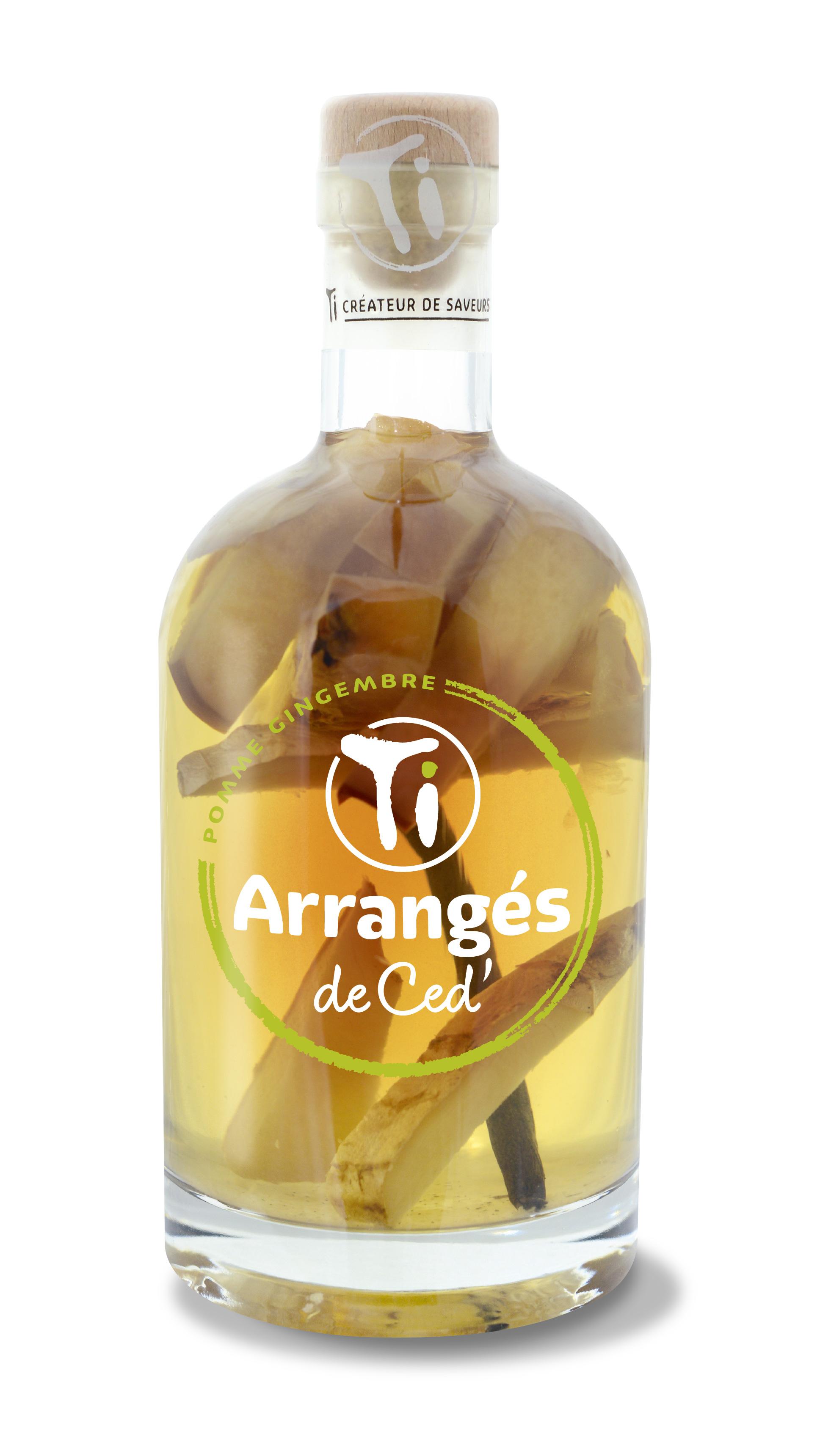 Ti Rum liqueur Apple Ginger.jpg