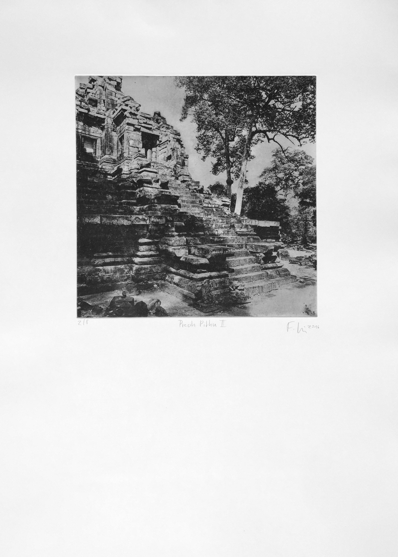 Preah Pithu II (2016)  medium: Heliogravüre  size: 50 x 70 cm  paper: Zerkall 250 g/qm  plate: 30 x 30 cm  edition:12 copies  numbered: 1/8 - 8/8, 4 e.a.  printer: FWU