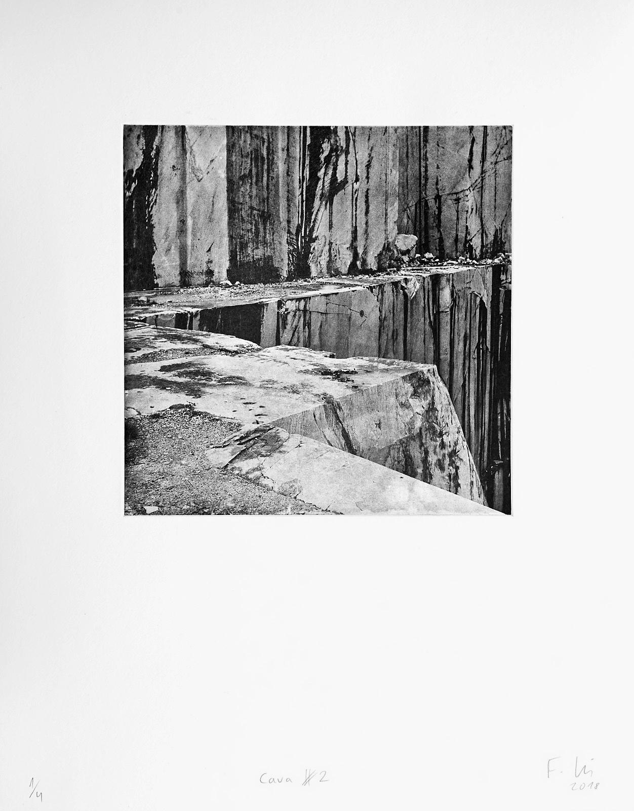 Cava #2 (2018)  medium: Photogravure  size: 36 x 46 cm  paper: Zerkall 270 g/qm  plate: 21.5 x 21.5 cm  edition: 7 copies  numbered: 1/4 - 4/4, 3 e.a.  printer: FWU