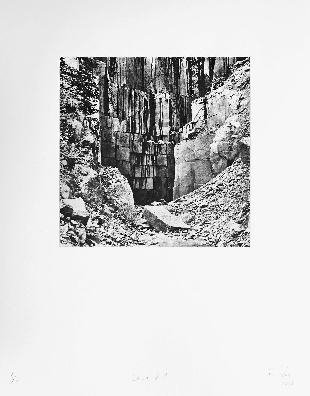 Cava #1 (2018)  medium: Photogravure  size: 36 x 46 cm  paper: Zerkall 270 g/qm  plate: 21.5 x 21.5 cm  edition: 7 copies  numbered: 1/4 - 4/4, 3 e.a.  printer: FWU